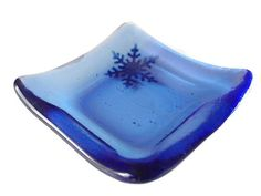 Winter Decor - Snowflake Dish - use this dish as decor and use to hold tea bag or small spoon in your kitchen or other small items in your living room or bedroom such as a ring. #winter #gift #decor #blue #snowflake