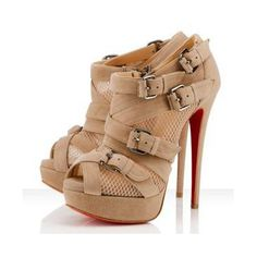 The most beautiful and iconic wedding shoes Red High Heels -Christian louboutin boots! Beige Ankle Boots, High Heels Boots, Shoe Boots, Shoes Heels, Ankle Booties, Nude Heels, Beige Heels, Brown Heels, Designer Shoes