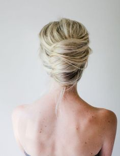 I LOVE this textured French twist hairdo