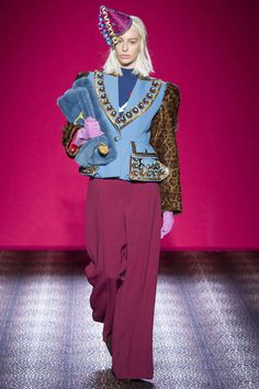 Wie Zanini Schiaparelli zitiert / Designer / Fashion Shows / Vogue