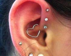 Piercing en la oreja helix (6)