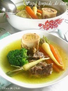 » Supa de ciuperci cu galusteCulorile din Farfurie Thai Red Curry, Ramen, Good Food, Soup, Japanese, Ethnic Recipes, Honey, Japanese Language, Soups
