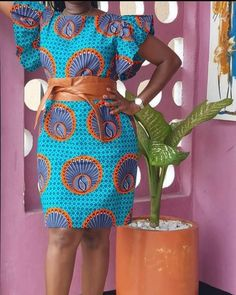 Latest African Fashion Dresses, African Dresses For Women, African Print Fashion, Africa Fashion, African Women, African Print Dress Designs, African Design, Chitenge Dresses, African Blouses