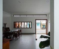 전통을 담을 수 있는 베트남 소형주택 TP House / Sawadeesign Studio 덥고 습한 기후를 가지고 있는 ...