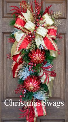 Rose Gold Christmas Decorations, Christmas Swags, Christmas Centerpieces, Holiday Wreaths, Christmas Tree Decorations, Christmas Diy, Easter Wreaths, Handmade Wreaths Christmas, Christmas Decorating Ideas