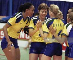 leila-barros-is-congratulated-by-team-1999