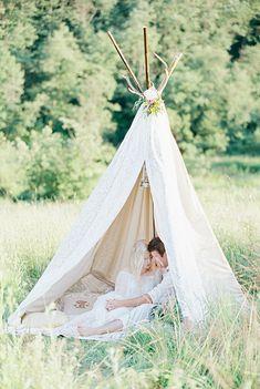 Bohemian wedding inspiration shoot in the countryside with a dose of vibrancy | photo by Igor Kovchegin | Fab Mood - UK wedding blog #bohemian