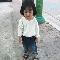 Find images and videos about girl, cute and korean on We Heart It - the app to get lost in what you love. Cute Asian Babies, Korean Babies, Asian Kids, Cute Babies, Stylish Little Girls, Cute Little Baby, Baby Love, Cute Outfits For Kids, Cute Kids