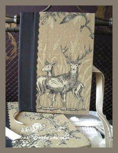 Très chic ce carnet de chasse    CADEAU IDEAL POUR NOEL    Reliure rigide    Recouvert d'une toile de Jouy    L'intérieur  illustré de tableaux et de