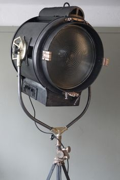 Breathtaking vintage spotlight from the 20th century – We collect similar ones – Only/Once – www.onlyonceshop.com