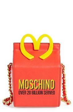 Moschino bei Luxury & Vintage Madrid, die beste Online-Auswahl an Luxus-Kleidung, Accessoires, Pre-geliebt, mit bis zu 70% Rabatt