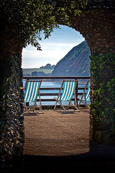A different summer view of Sidmouth  http://forum.wexphotographic.com/viewprevious.asp