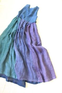 Love the graduated coloring//////This is an amazing garment, both the warm and cool blues combined and the easy flow of the pinafore-looking dress!