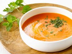 Endive and Tomato Soup - Recipes - Endive and tomato soup / Ingredients for 4 people / 8 endives, 2 tomatoes 60 cl chicken broth, 20 c - Tomato Soup Ingredients, Tomato Soup Recipes, Healthy Soup Recipes, Endive Recipes, Detox Recipes, Cooking Recipes, Best Crockpot Recipes, Quick And Easy Soup, Winter Dinner Recipes