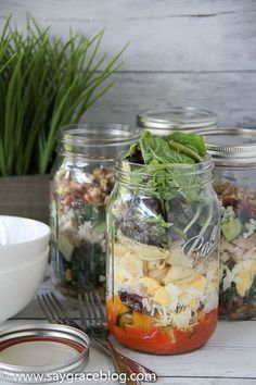 Perfect your Salad-in-a-Jar game! #SaladInAJar