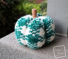 Ravelry: Pretty in Gingham Pumpkin pattern by Divine Debris