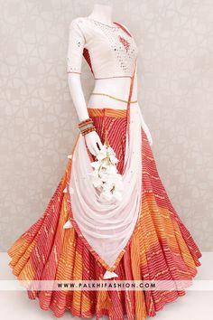 Multicolor Full Flair Bandhani Chaniya Choli Set From Palkhi Fasion Palkhi fashion presents bandhanichaniya choli with mirror & resham hand work blouse.Garba 2019 collection from palkhi fashion. Indian Gowns Dresses, Indian Fashion Dresses, Indian Designer Outfits, New Dress Design Indian, Dress Indian Style, Garba Dress, Lehnga Choli For Girls, Bandhani Dress, Designer Party Wear Dresses