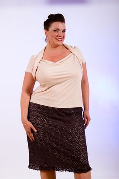 Sweetheart tee in shell and luscious chocolate pencil skirt.  Perfect for the every occasion!