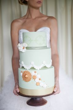 Gorgeous mint cake from The Flour Girl (http://www.theflourgirl.com.au/) Photography by Sarzy O Photography / sarzyophotography.com, Floral Design by Bella Bloom Floral Design / bellabloomfloraldesigns.com/
