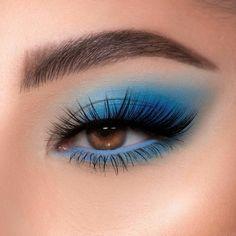 #makeup #blue #look #eye #brown #maquillajedeojos #azul #follow #seguir #lashes #pestaña Edgy Makeup, Makeup Eye Looks, Eye Makeup Art, Blue Eye Makeup, Skin Makeup, Makeup Inspo, Eyeshadow Makeup, Prom Makeup, Flawless Makeup