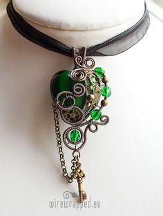 OOAK Emerald Green Steampunk Heart Pendant w/ Key