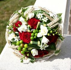 Rouge, blanc et blé - - Vous êtes fière de votre bouquet de mariée ? Montrez-le nous !