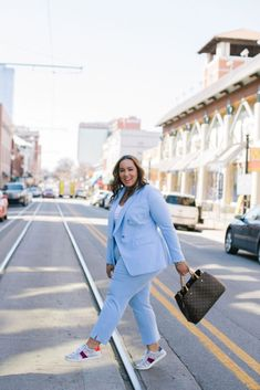 The New Power Suit - Beauticurve It's a wonderful time for a power -powder blue suit! A power suit is ideally a suit. SEE DETAILS. Plus Size Suits, Outfits Plus Size, Curvy Girl Outfits, Look Plus Size, Plus Size Girls, Plus Size Model, Big Girl Fashion, Curvy Fashion, Womens Fashion