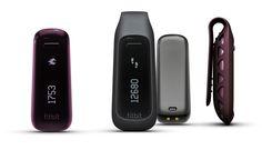 Fitbit One Petit et discret - il s'adapte à chaque style   La One™ est disponible en deux couleurs : noir et bordeaux. Son design compact et élégant permet de le porter dans la poche, à la ceinture ou au soutien-gorge (à l'aide de l'attache en silicone).   La One™ résiste à la pluie, aux éclaboussures et à la sueur. Sa batterie a une autonomie de 5 à 7 jours. ...