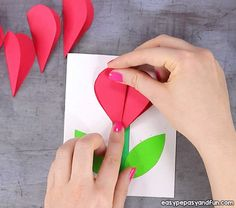 Heart Flower Card (with flower template) - Valentines and Mother's day craft idea - Easy Peasy and Fun Cute Valentine Ideas, Valentine Crafts For Kids, Valentine Box, Craft Stick Crafts, Easy Crafts, Valentine's Day Crafts For Kids, Flower Template, Mothers Day Cards, Paper Hearts