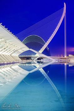 City of Arts and Science 2 by Christian Öser, via 500px Valencia, Spain / 2012 Architect: Santiago Calatrava
