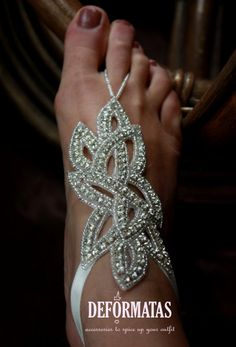 I want to thank Alex from Deformatas accessories for making these barefoot sandals for myself and my bridesmaids! These will be perfect for my beach wedding
