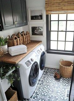 40 Gorgeous Small Laundry Room Design Ideas - Laundry areas, in general, easily end up a place where items are stored, stashed, and procrastinated -- to do later. With small laundry rooms this bec. Rustic Laundry Rooms, Tiny Laundry Rooms, Farmhouse Laundry Room, Laundry Room Design, Laundry In Bathroom, Farmhouse Style, Laundry Area, Farmhouse Decor, Laundry Decor
