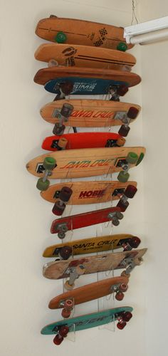 You got to love this, Old Skateboards - Santa Cruz - Hobie - Sims - Hang Ten, what a collection!
