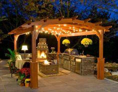 Pergola bauen mit Grill und Kamin