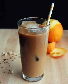 Orange and Cardamom Infused Cold-Brewed Coffee//made with orange and cinnamon; loved the orange flavor Cold Brew Coffee Recipe, Cold Brew Iced Coffee, Coffee Cafe, Coffee Drinks, Decaf Coffee, Coffee Tasting, Coffee Shop, Coffee Mugs, Barista