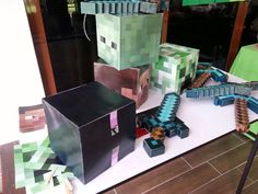 Creeper, enderman, steve, zombie head and face mask aswell as pickaxe and diamond sword. All printables