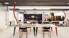 EN IMAGES - En plein 10e arrondissement, un ancien garage va accueillir des bureaux à l'image des habitants du quartier. Déco personnalisée, ambiance comme à la maison et services communs sont au programme.