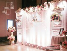 ❣ ωє∂∂ιиg ιиѕριяαтισиѕ Wedding Stage, Wedding Events, Dream Wedding, Weddings, Flower Wall Wedding, Wedding Flowers, Stage Decorations, Wedding Decorations, Bridal Boutique Interior