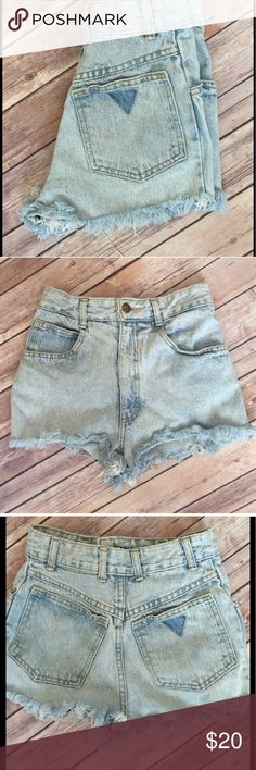 """Vintage high waisted washed denim shorts 100% cotton : size 3-4 : 12"""" across the waist , 12"""" front rise and 1.5"""" seam Shorts Jean Shorts"""
