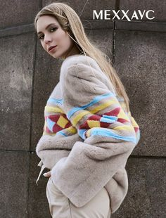 Season 2017-2018 loves prints. Designers boldly combine furs of different shades and textures. On the photo: a sweatshirt of mink in rhombuses! web-site https://xn--80ajuwjka.xn--p1ai/women/kurtki/kurtki-iz-norki/kurtka-iz-mexa-norki-033 #Меххаус