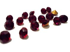 Vintage Glass Round Ruby Red colour foiled by JEDJewellerySupplies, £2.99