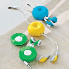 A retracting cord keeps you from getting tangled in these Magnetic Donut Earphones.