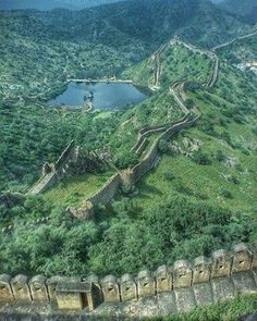 The great wall of Jaipur..Sagar lake from the point of Jaigarh Fort. Picture Credit -  Anonymous .. To get featured follow beautifuljaipur and use #beautifuljaipur .. #Jaipur#Rajasthan #India #IncredibleIndia #travel #travelling #travelgram #instatravel #architecture #love #traveltuesdays #trending #picoftheday #beautiful #bestshot #natgeo #instalike #instame #instapic #instapassport #insta #Instadaily #photooftheday #sunset#window #world #travel#travelphotography