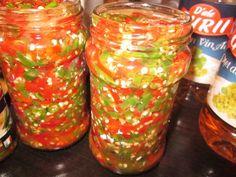 Reteta culinara Ardei iuti pentru  iarna din categoria Conserve. Cum sa faci Ardei iuti pentru  iarna Canning Pickles, Diy And Crafts, Mason Jars, Good Food, Mexican, Ethnic Recipes, Martha Stewart, Sauces, Meals