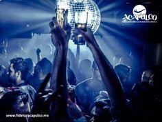 #antrosdemexico Instinto Night Club te ofrece las mejores noches de fiesta en Acapulco. ANTROS DE MÉXICO. Las mejores noches de fiesta en Acapulco, las encontrarás en el bar Instinto Night Club, pues programan lo mejor de la música actual y cuentan con promociones excelentes para que tú y tus amigos, se diviertan hasta el amanecer. Obtén más información visitando la página oficial de Fidetur Acapulco.