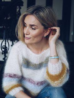 I made this sweater - Camilla Pihl Summer Knitting, White Patterns, Camilla, Lana, Knitwear, Knitting Patterns, Knit Crochet, Crochet Necklace, Pullover