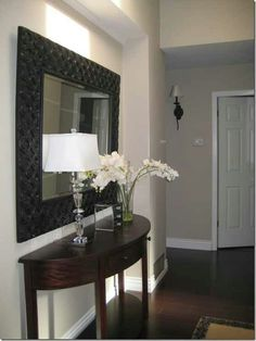 Entry Way | Curved Table