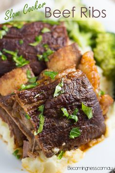 Slow Cooker Beef Ribs - Amazing fall off the bones ribs with a really tasty sauce..... AND is healthy!