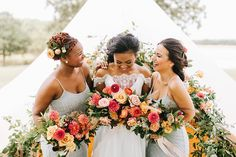 Laughing Sunset Floral Bridesmaids | Sarah Libby Photography | Ever Something Event Styling | Tatanka Ranch | Homma Camp Co. | Faccia Bella | Bridal Couture by Sonni | Prim #bridesofok #wedding #weddinginspiration #bridesmaids