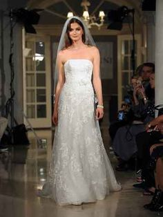 9d165477fb96 40 Best Spring 2018 Runway // Oleg Cassini Wedding Collection images ...